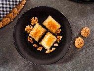 Лесна баклава с готови кори и плънка от орехи, локум, яйца и масало